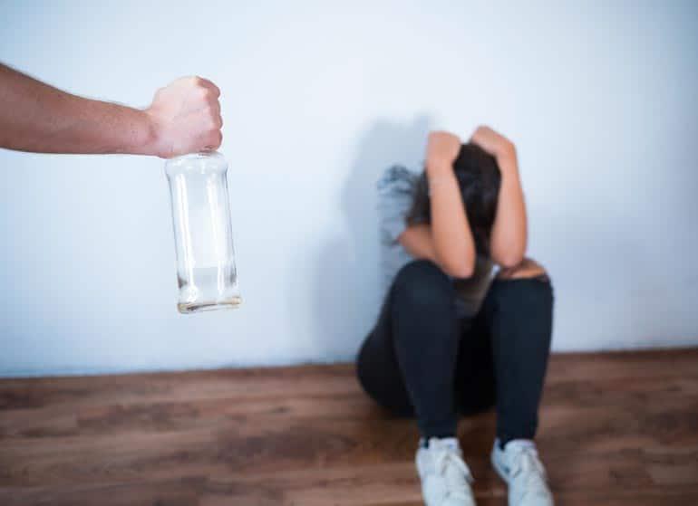 ALCOLISMO. CAUSE, SINTOMI E DANNI